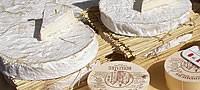Fromages de Brie au march� de Coulommiers